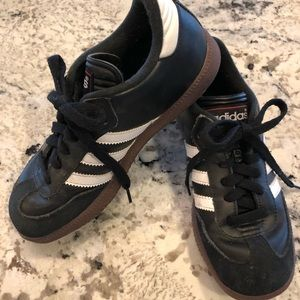 Adidas Samba - like new!  Size youth 4 US